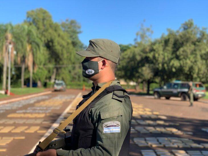 Gendarmería secuestró más de dos toneladas de marihuana en San Ignacio