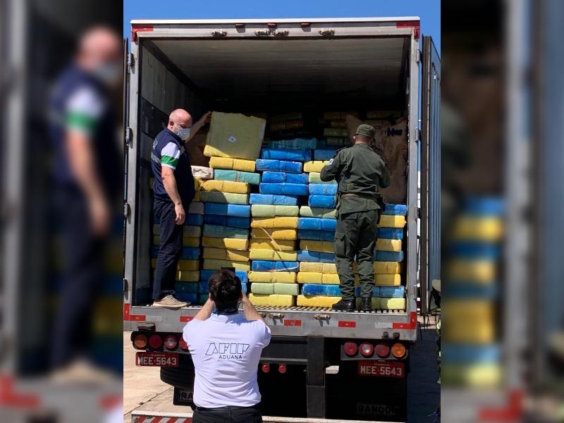 Gendarmería incautó más de ocho toneladas de marihuana en San José