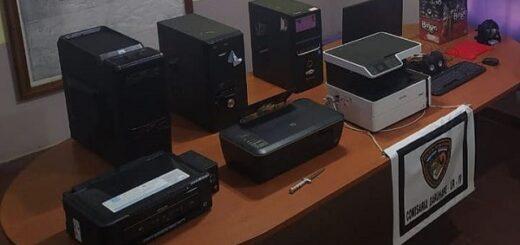 Garuhapé: robó varios equipos informativos de un Centro Cívico y lo atraparon