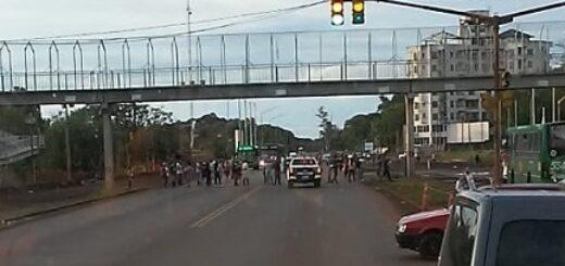 Posadas: vecinos de Miguel Lanús se autoconvocaron para cortar la ruta y pedir medidas contra la inseguridad en el barrio