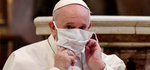 """Francisco se vacunará la semana próxima y criticó el """"negacionismo suicida"""""""