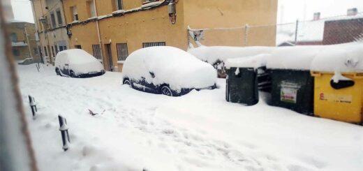 España: tres muertos, cierres de rutas, cancelación de vuelos y clases por la nieve