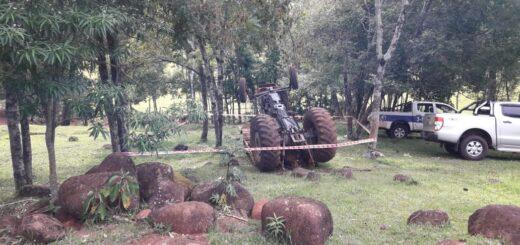 Volcó un tractor y murió su conductor en El Soberbio