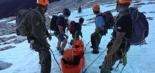 Brigadistas nacionales rescataron a turistas accidentados en la Patagonia Andina