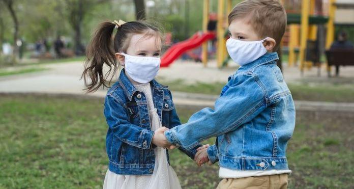Coronavirus: rige la disposición de trabajo remoto para empleados públicos con hijos menores de 13