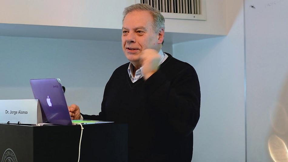 Autorizaron a Misiones a producir cannabis medicinal y el documento lo trajo personalmente el ministro de Salud de Nación, Ginés González García