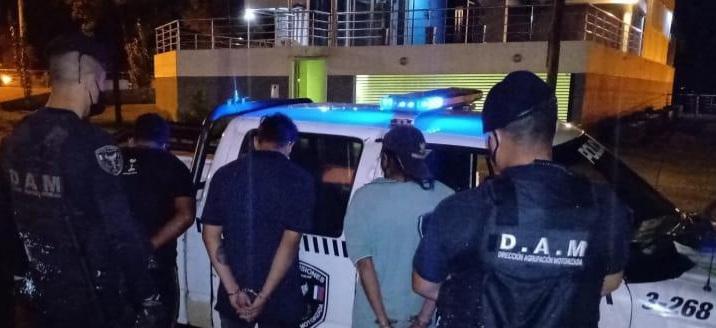 Detuvieron a cuatro jóvenes y recuperaron dos motocicletas robadas en procedimientos realizados en Posadas y Eldorado