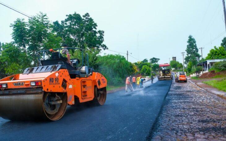Vialidad Provincial asfalta 23 cuadras en San Pedro