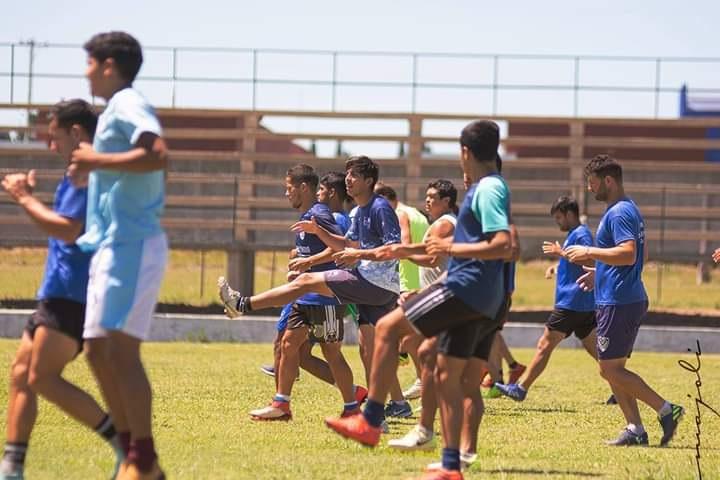 """Torneo Regional: """"Vamos a ser protagonistas, sabemos que el sábado tenemos una final"""", anticipó Claudio Penizzoto, entrenador de Victoria, rival de Guaraní Antonio Franco"""