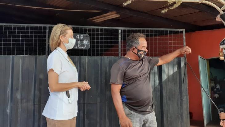 Continúan los operativos de descacharrizado en barrios de Posadas para evitar criaderos de dengue
