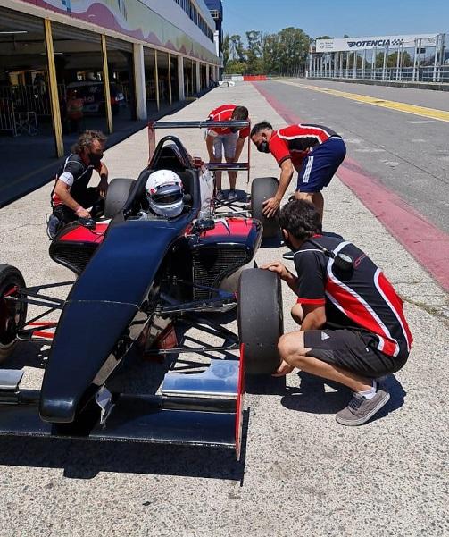 Automovilismo: Grimaldi comenzó una semana de intensos entrenamientos con el Fórmula Renault 2.0