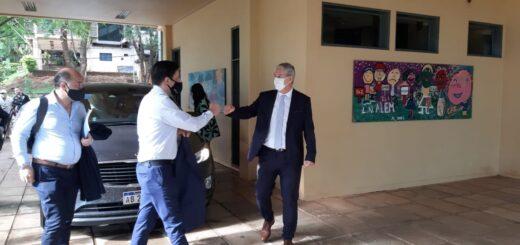 Trotta arrancó su jornada de reuniones en Misiones con un desayuno con el ministro Sedoff antes de participar de la Mesa Paritaria Docente junto a los gremios