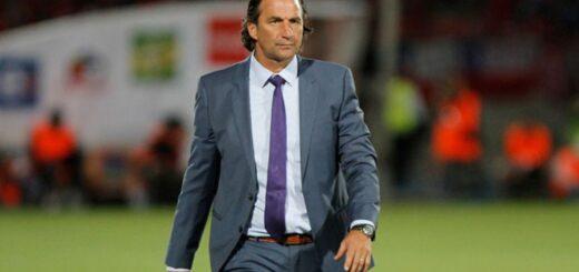 Juan Antonio Pizzi se convirtió en el nuevo entrenador de Racing