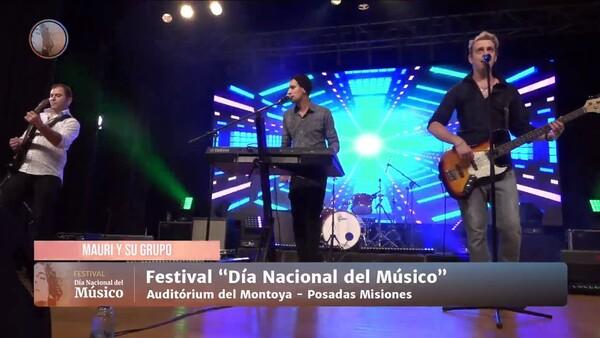 彼らは拍手、歌、そして喜びをもって、ポサダスで開催された「全国ミュージシャンデー」のバーチャルフェスティバルを祝いました。