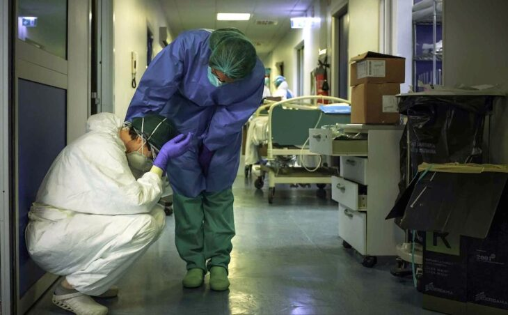Paraguay:45 trabajadores de salud de Itapúa contrajeron covid y un evento privado habría sido el foco de contagio