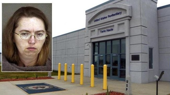 Suspendieron la ejecución de la mujer condenada a muerte por asesinar a una embarazada para robarle el bebé