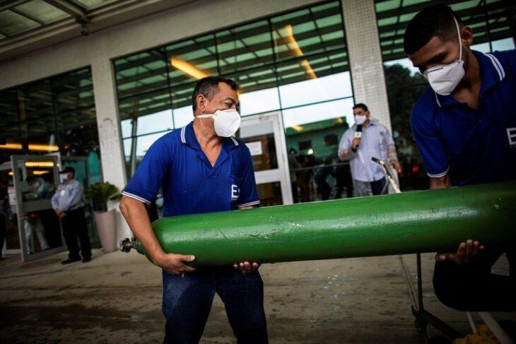 Venezuela enviará más oxígeno a Brasil para aminorar su colapso sanitario