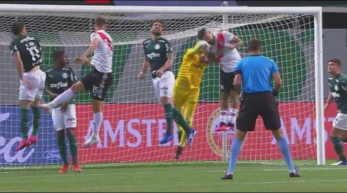 ¿El Var perjudicó a River? Las polémicas en el partido contra Palmeiras