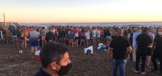 Mar del Plata: cierran preventivamente el ingreso a una playa por la aglomeración de jóvenes