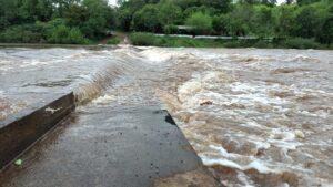 上流域の雨がエルドラドのピライグアズの台頭を引き起こした
