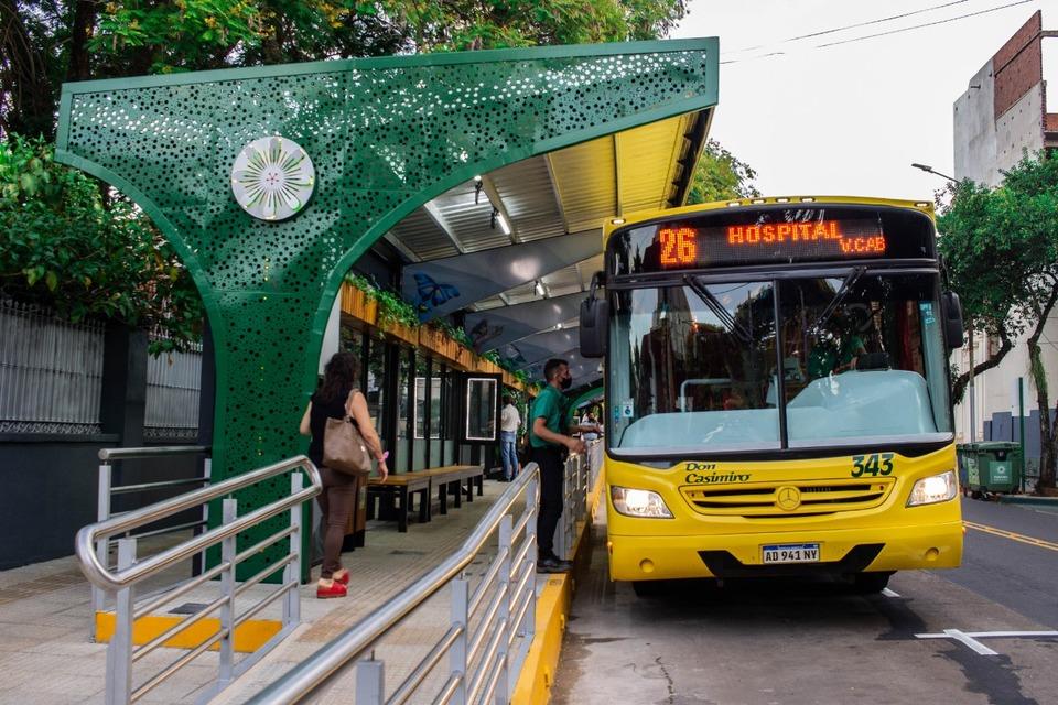 """La parada sustentable """"Estación Junín"""" cuenta con capacidad para más de 100 personas"""