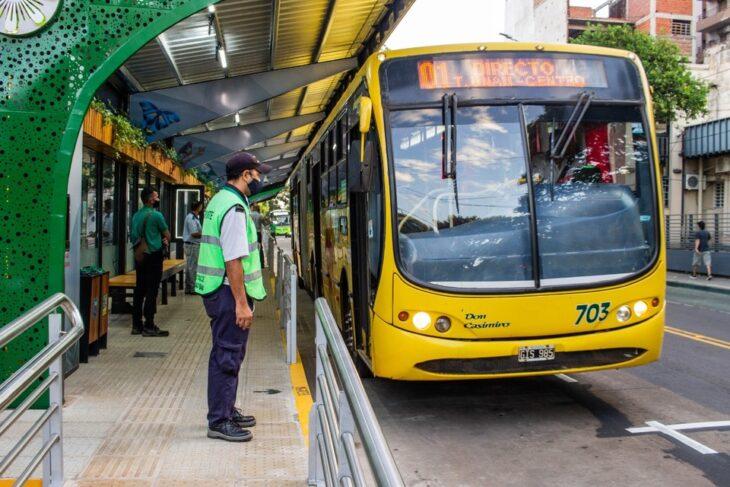 La parada sustentable «Estación Junín» cuenta con capacidad para más de 100 personas