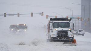 Frío extremo en EEUU y México tras una tormenta de nieve dejó sin energía a millones de personas