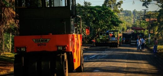 Vialidad Provincial desarrolla trabajos de pavimento sobre empedrado en Eldorado