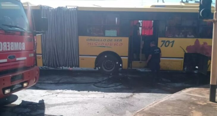 Un colectivo de trasporte urbano de pasajeros sufrió un principio de incendio en Posadas