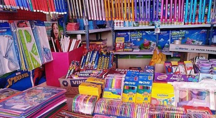 Vuelven las clases y las librerías de Posadas ofrecen distintas ofertas mientras preparan las listas y pedidos