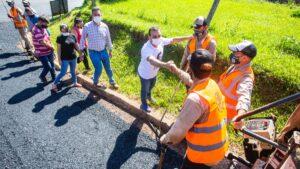 Herrera Ahuad supervisó el asfaltado de las primeras siete cuadras en la historia del paraje Tobuna de San Pedro