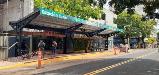 Ultiman detalles para la puesta en funcionamiento de la parada sustentable de la calle Junín de Posadas