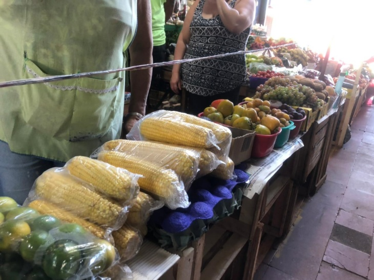 Los comerciantes comienzan a prepararse para las ventas de la Cuaresma