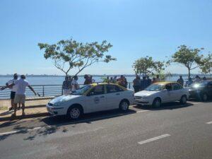 Posadasのタクシー運転手は、Uberなどのデジタルプラットフォームにタクシーやレミスと同じ規制があることを求めています