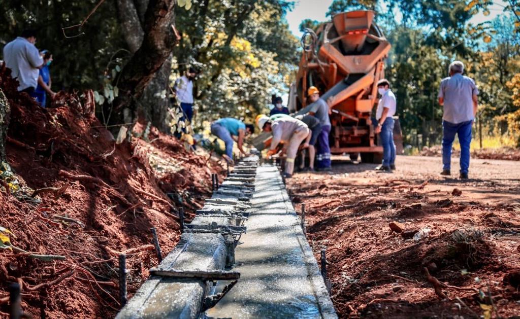 La Municipalidad de Eldorado junto a la Dirección Provincial de Vialidad avanzan en la mejora de varias calles de la ciudad