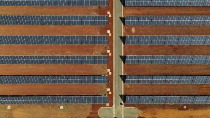 """Desde el IPRODHA aseguran que la obra de la Central Solar de Itaembé Guazú está """"casi terminada"""""""