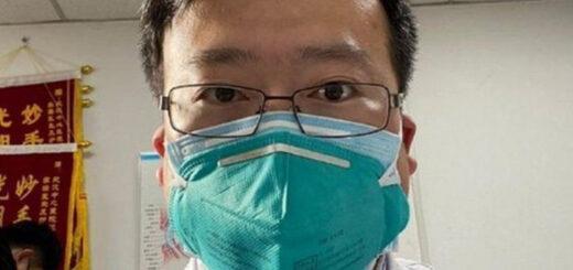 A un año de su muerte, miles de chinos recuerdan a Li Wenliang, el oftalmólogo que dio aviso del coronavirus