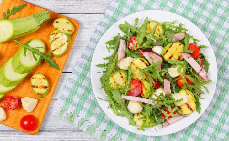 Nutrición: ¿Es más importante el tipo de alimento o las calorías que consumimos?