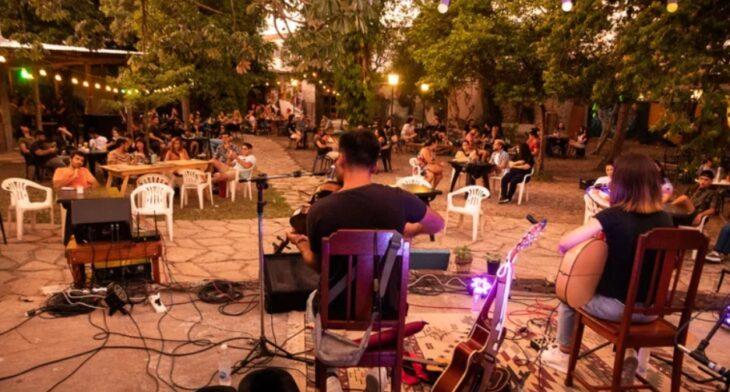 Corrientes: polémica por un espectáculo chamamecero en un bar