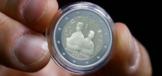 Italia le dedica una moneda de 2 euros al personal médico del país
