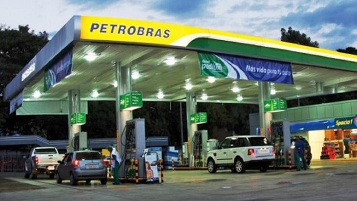 Brasil: Jair Bolsonaro remueve al presidente de Petrobras por el aumento de los combustibles