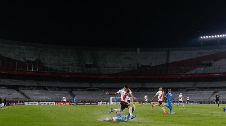 Dirigentes de la Liga Profesional de Fútbol presionan por el regreso de los hinchas a las canchas en el fútbol