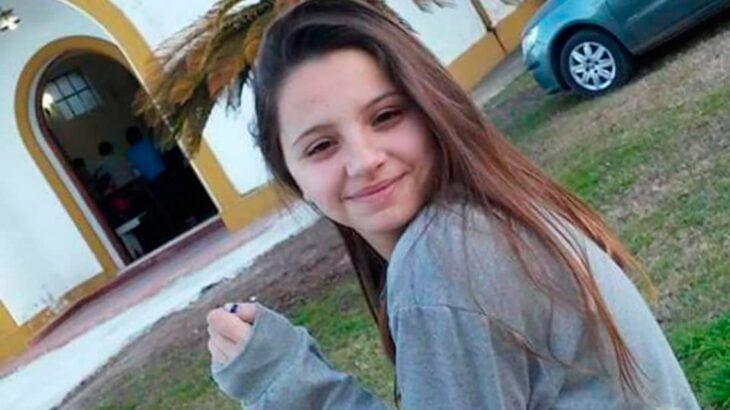 Femicidio de Úrsula Bahillo: la autopsia reveló que la joven fue asesinada de al menos 15 puñaladas