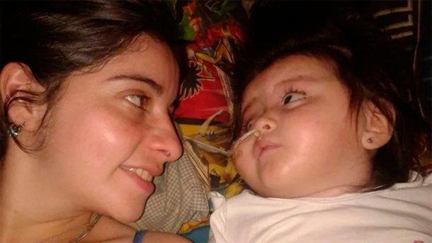 """Una enfermera adoptó a una beba que fue abandonada, pese a que sabía que iba a morir: """"Te amé como a nadie"""""""