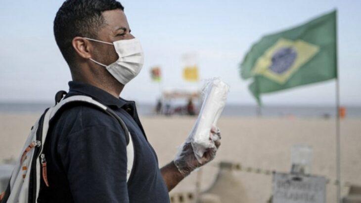 Colapso sanitario en Brasil: prohíben el uso de playas y los baños de mar en Río de Janeiro