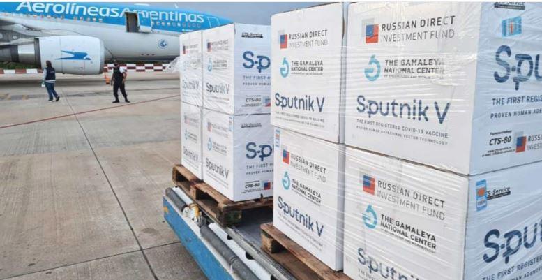 Las 330 mil dosis de la vacuna Sputnik serán utilizadas para fortalecer la inmunización de los adultos mayores.