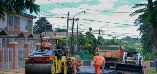Vialidad de Misiones asfalta calles empedradas en seis localidades