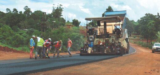 Vialidad trabaja en mantenimiento y repavimentación de la Ruta Provincial 20