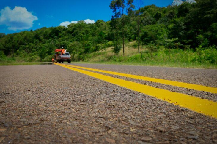 Vialidad avanza con trabajos de señalización en cuatro rutas misioneras