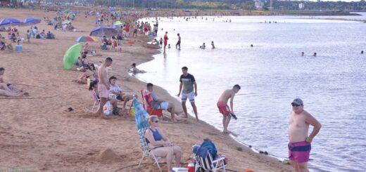 Debido a la buena concurrencia de visitantes, planifican extender la temporada de verano en Posadas